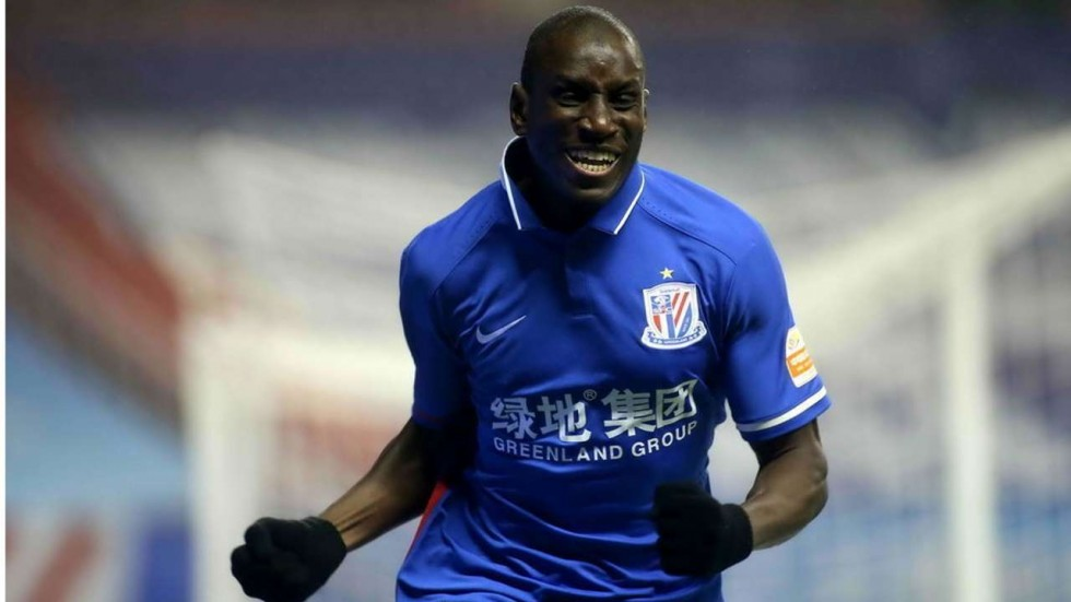Senegal striker Demba Ba suffers horror injury in China