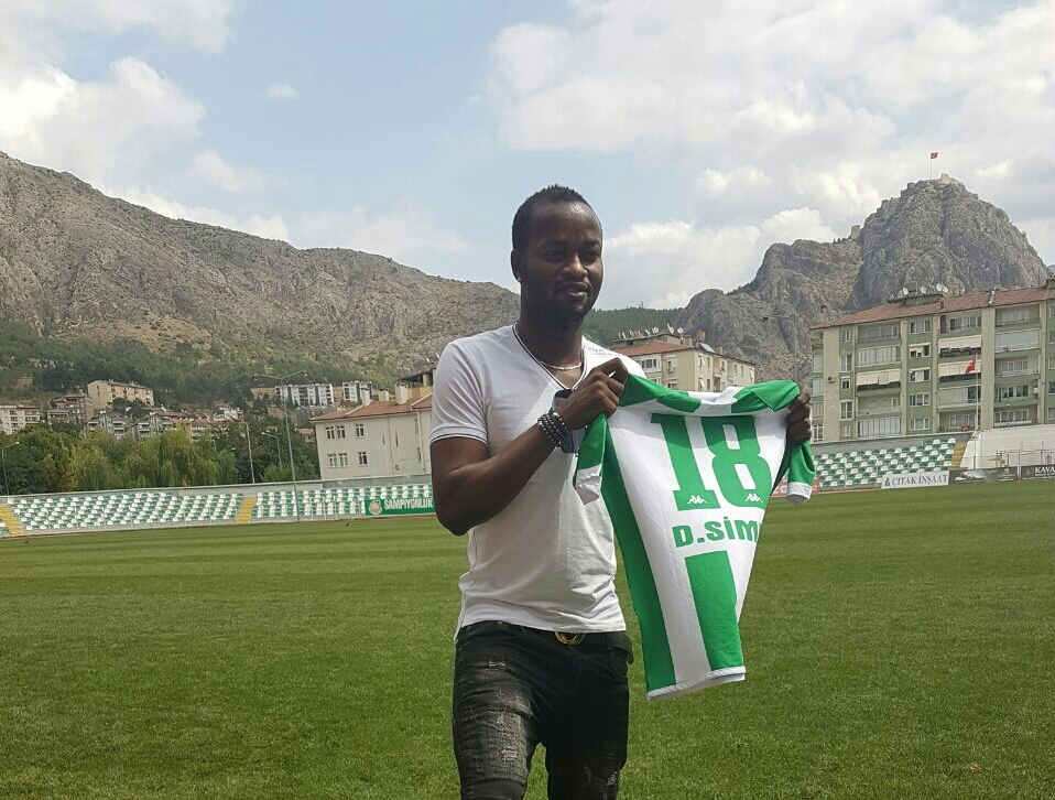 Amasyaspor sign Sierra Leone defender David Simbo