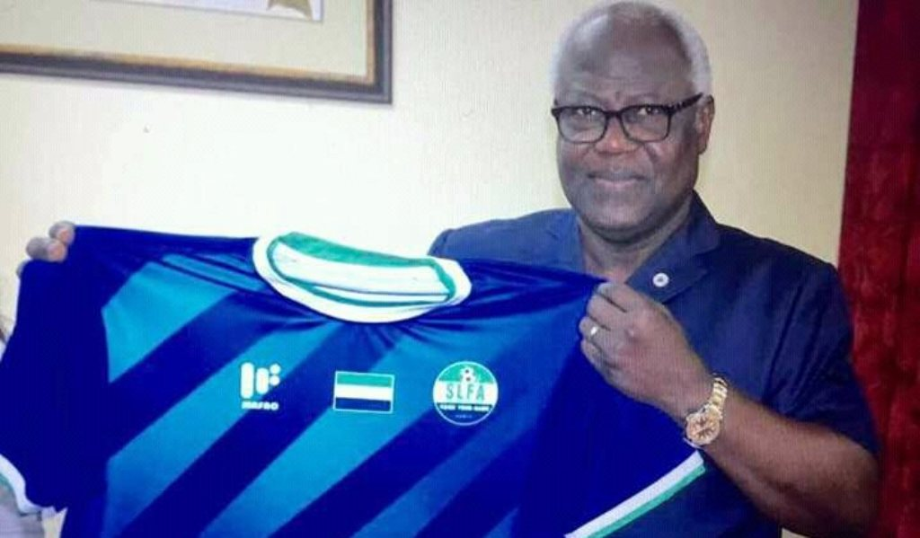 President Koroma gives his blessings to Leone Stars new jersey