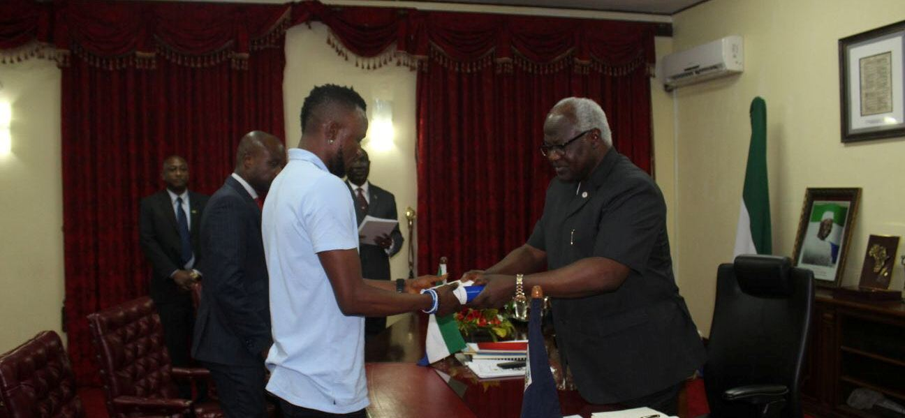 Leone Stars captain Bangura receives Presidential gong