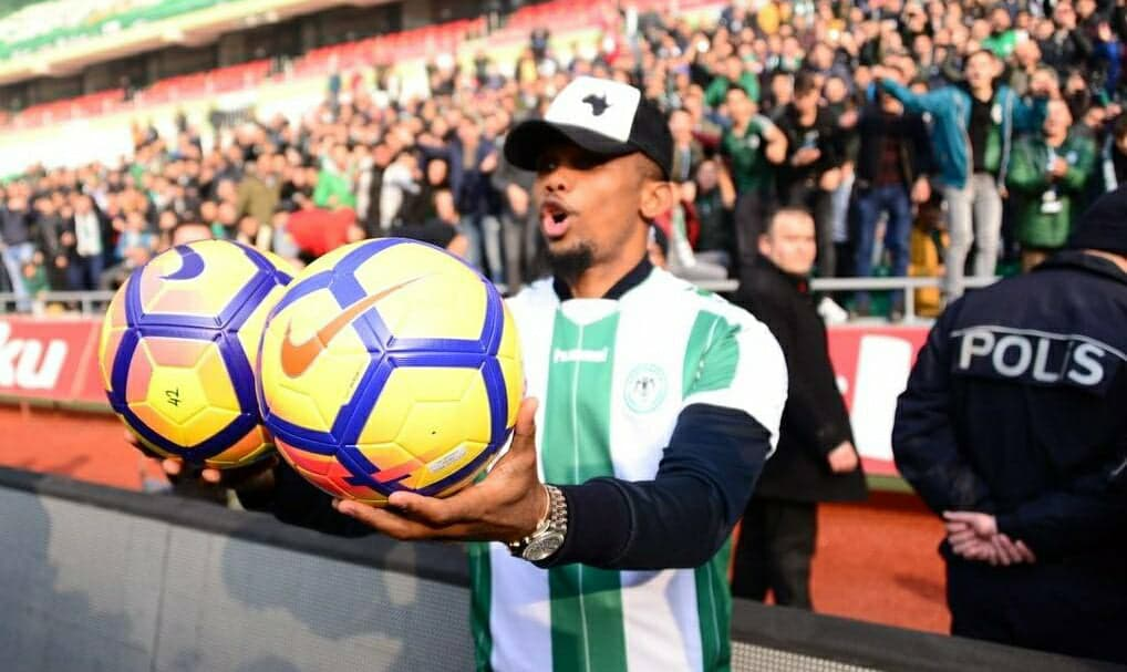 Konyaspor unveil Samuel Eto'o at Metropolitan Municipal ceremoney