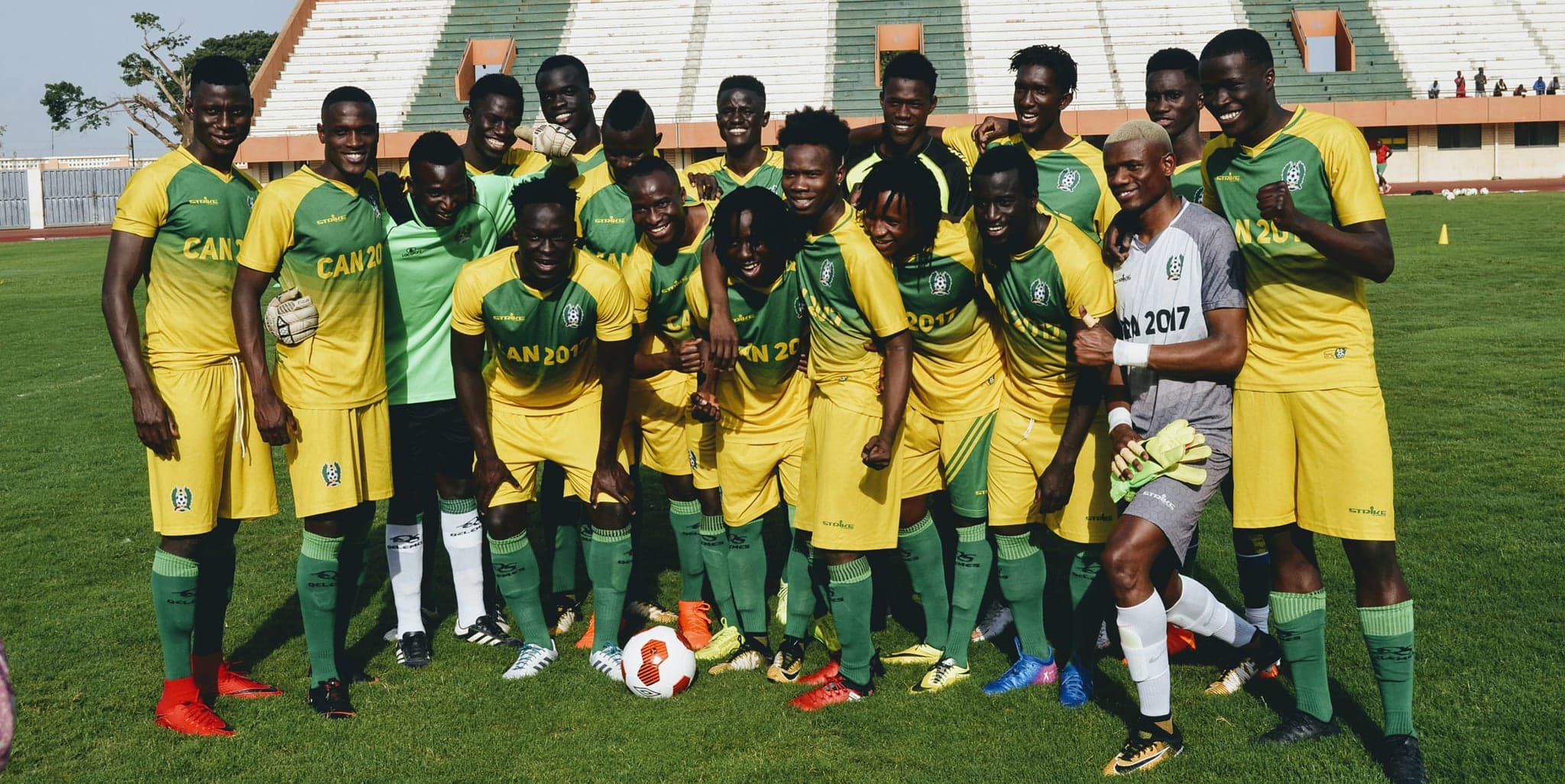 """Bissau U20 players at the 24 de Setembro Stadium."""