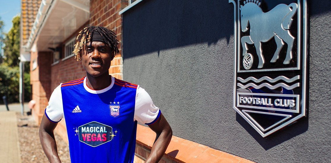 """Sierra Leone-born Chelsea young defender, Trevoh Chalobah has signed for English Championship side Ipswich Town on loan."""