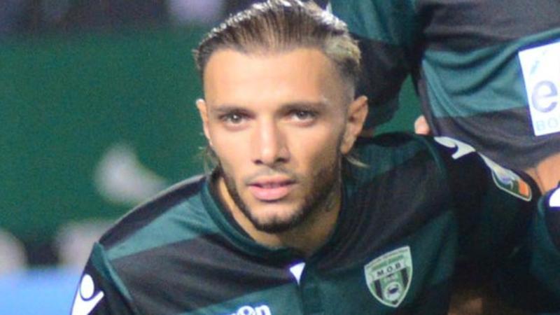 Former Algeria youth Touati killed in car crash