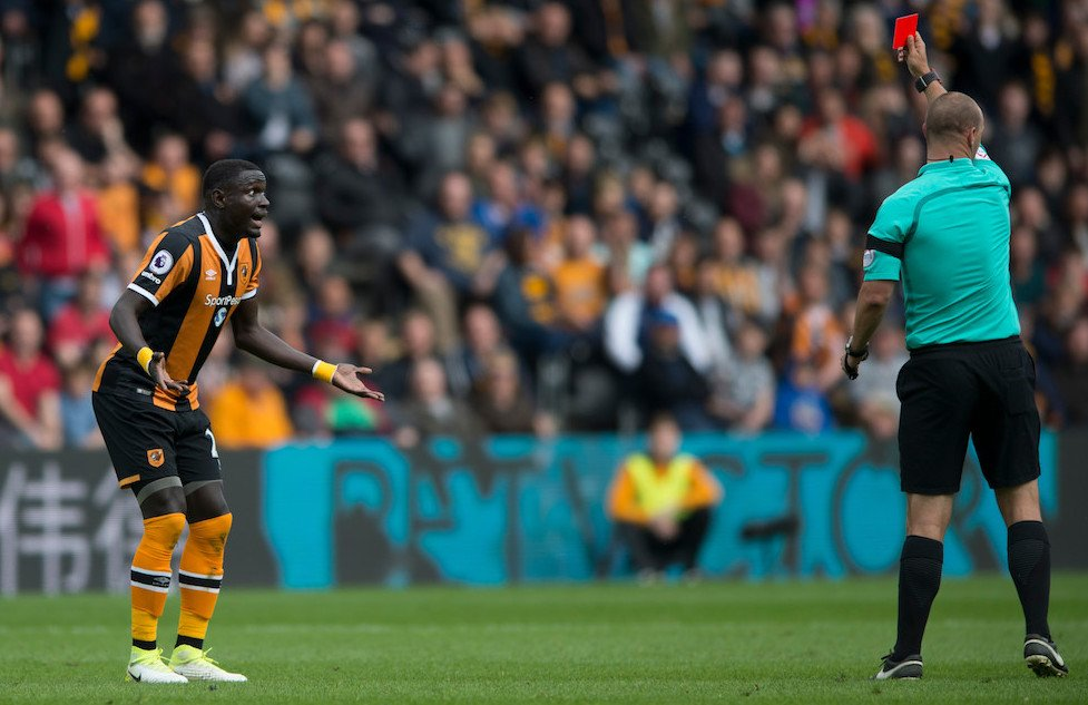 Hull City Senegalese striker Niasse's red card rescinded