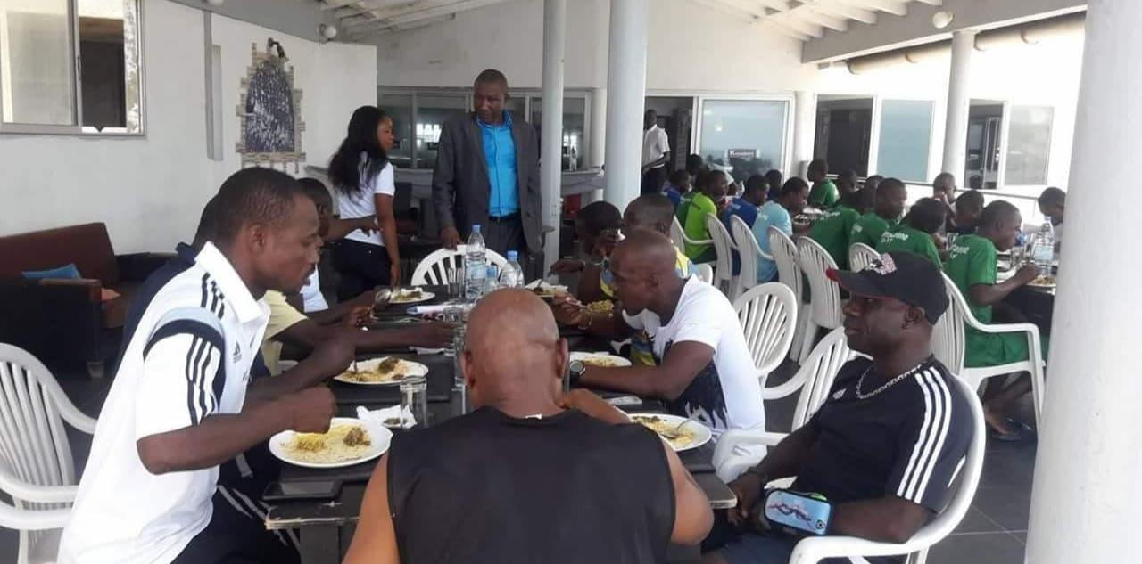 Ex-footballers donate $500 to Sierra Leone U-17 team in Senegal