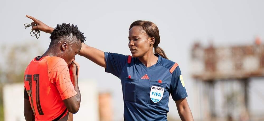 Top Zambian referee Leah Namukonde dies after car crash